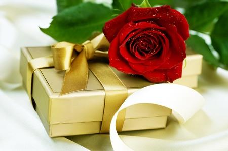 バレンタインやウェディング ギフト 写真素材