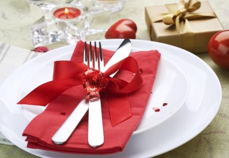 Valentine tabel instelling plaats.Romantisch diner concept Stockfoto