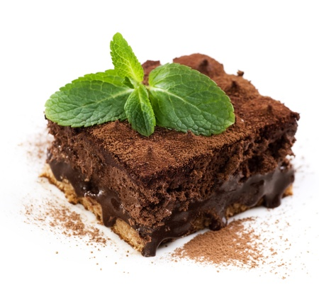 cake decorating: Trufa de chocolate pastel sobre blanco
