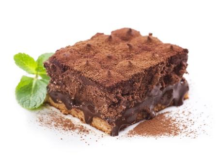 carta de postres: Trufa de chocolate pastel sobre blanco