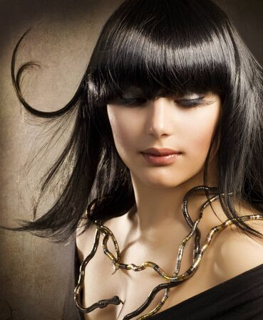 arabic  style: Beautiful Brunette