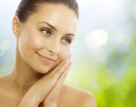 masajes faciales: Hermosa mujer saludable. Piel sana perfecta