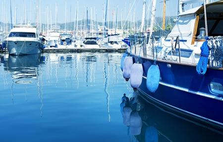jachthaven: Jachten in de haven  Stockfoto