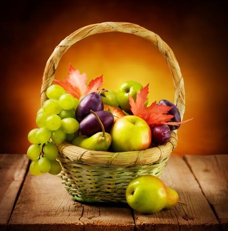 canastas de frutas: Frutos maduros org�nicos