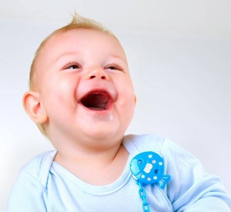 ni�os riendose: Cute Baby Boy Riendo