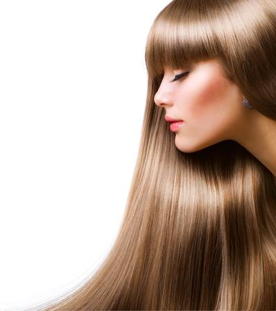 Sch�ne Frau Mit Gerade lange Haare �ber Wei�e