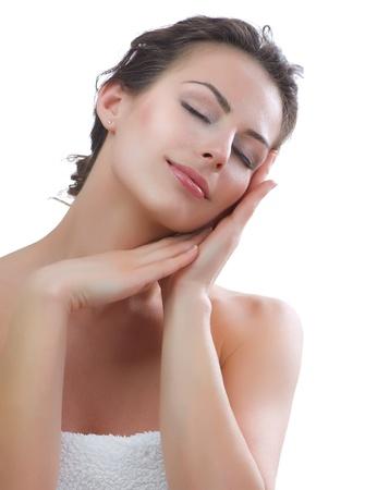 lift hands: Hermosa Mujer Joven tocando su cuidado de la piel facial