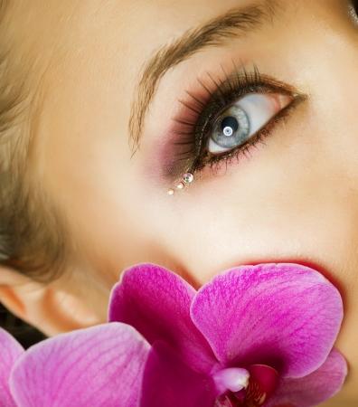 salon de belleza: Maquillaje hermoso primer plano la cara