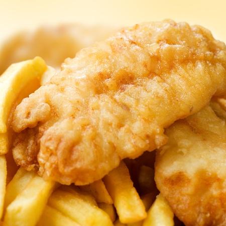fish chips: Pescado frito y patatas fritas Foto de archivo
