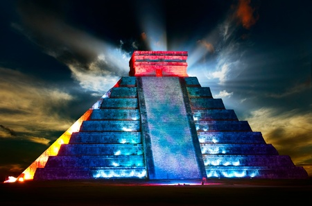 civilizations: Chichen Itza Mayan Pyramid Night View