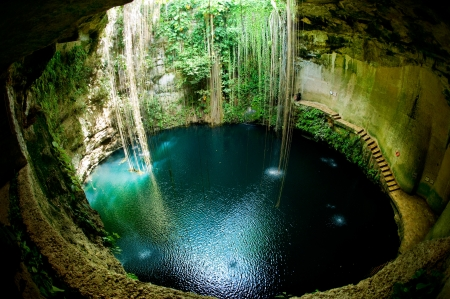 yucatan: Ik-Kil Cenote, Chichen Itza, Mexico  Stock Photo