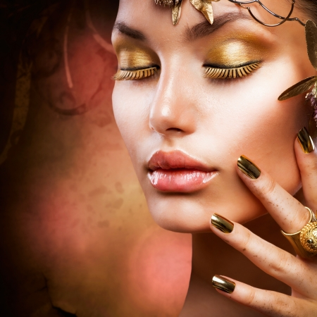 aretes: Maquillaje de oro de la moda Chica Retrato