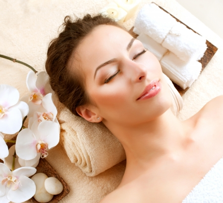facial treatment: Spa Woman in Beauty Salon
