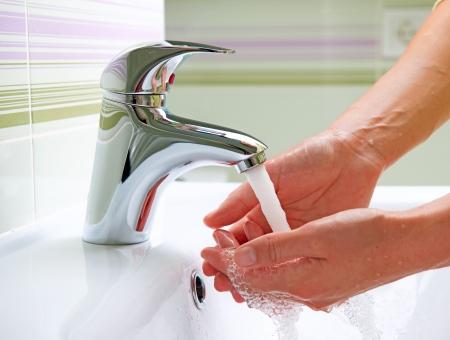 lavare le mani: Lavarsi le mani pulizia igiene delle mani