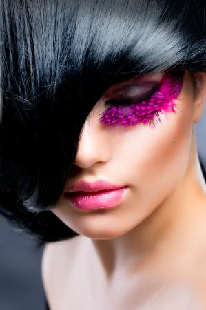 pesta�as postizas: Moda Retrato Modelo Morena Foto de archivo
