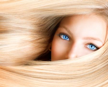 Blond meisje Blonde vrouw met blauwe ogen