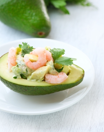 Avocado: Aperitivo de Aguacate y Camarones Ensalada