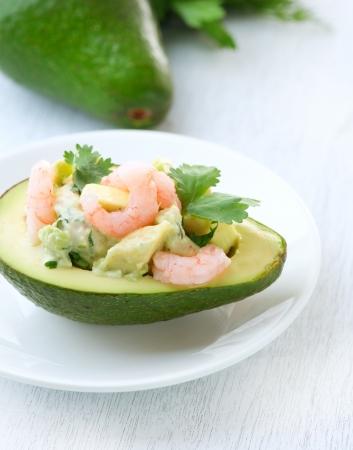 Avocado und Garnelen Salat Vorspeise Standard-Bild - 14421985