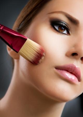 trucco: Base cosmetico perfetto make-up applicare il make-up Archivio Fotografico