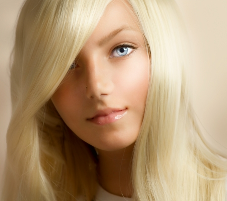 flaxen: Beautiful Blond Girl