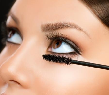 Stosowanie Eyes Mascara Zbliżenie Makijaż Make-up