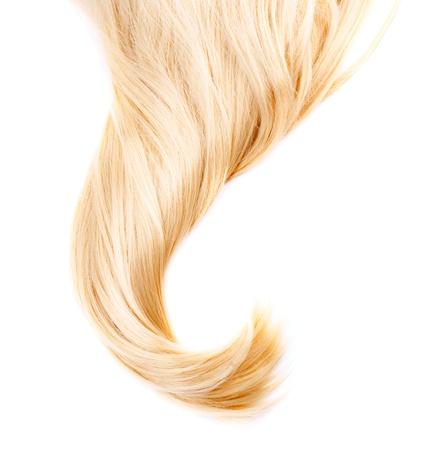 textura pelo: Cabello rubio sano aislado en blanco