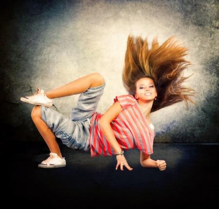 donna che balla: Danza Hip-Hop Dancing Girl Dancer adolescente Archivio Fotografico