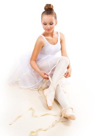 bailarina: Bailarina bonita Ballet Dancer Vestindo Pointes Ballet Shoes