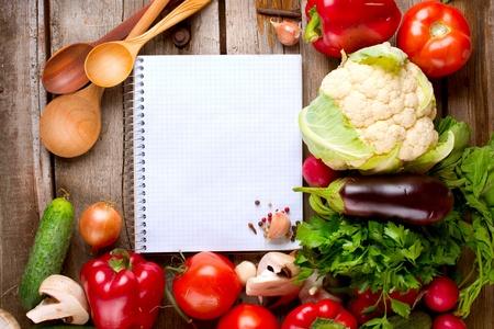 dieta sana: Notebook Open y dieta dulce fondo Verduras