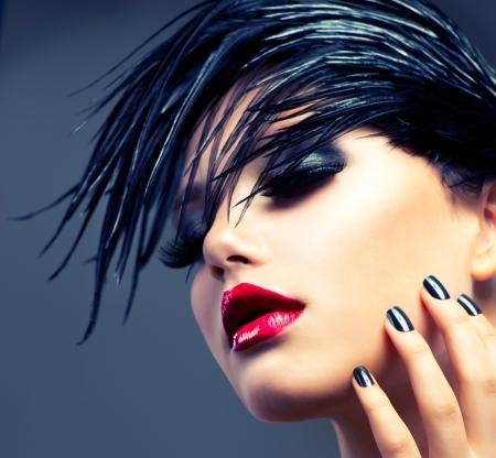 cabello negro: Arte de la muchacha Retrato de la manera del estilo punky