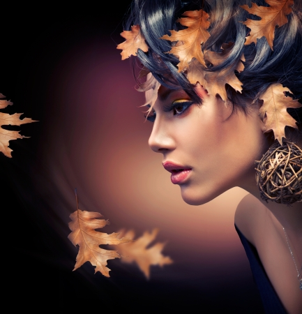 Autumn Woman  Fashion Girl Makeup  Fall  Zdjęcie Seryjne
