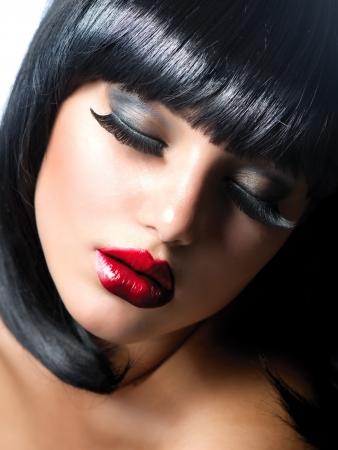 falso: Mujer Chica Sexy Brunette con estilo Extreme Vamp maquillaje