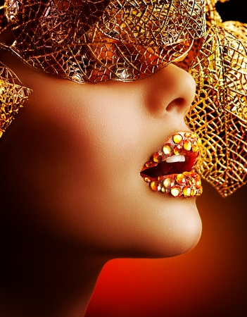 finery: Luxury Golden Makeup  Beautiful Professional Holiday Make-up
