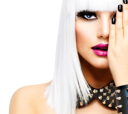 punk hair: Beaut� Fashion Girl Femme Style Punk isol� sur blanc Banque d'images
