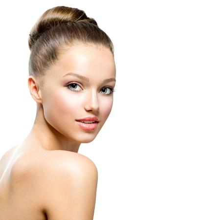 Schoonheid Tiener Meisje Portret geïsoleerd op een witte achtergrond