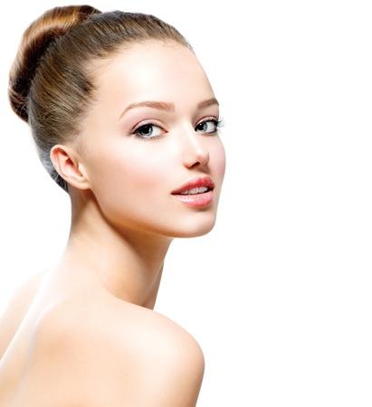 Portrait Beauty Girl adolescent isolé sur un fond blanc
