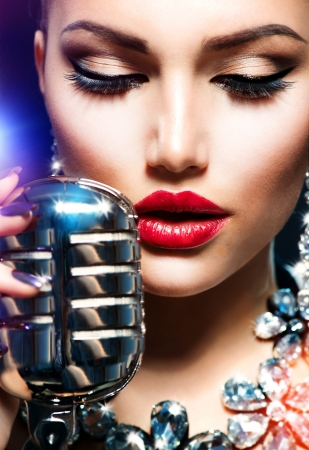 microphone retro:  Singing Woman with Retro Microphone  Vintage Style