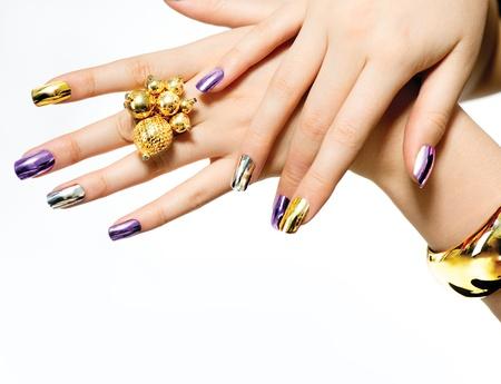 long nail: Manicure Moda Metallic Nail polish