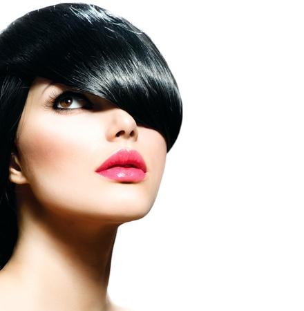 hair short: Belleza Chica con estilo aislado en el fondo blanco