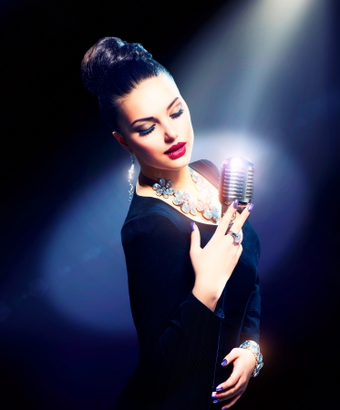 jazz singer: Singing Woman with Retro Microphone