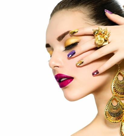 red nails: Fashion Beauty  Manicure and Make-up  Nail Art