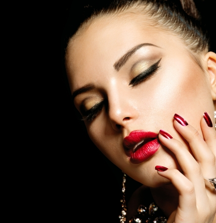 maquillaje de ojos: Fashion Manicure Beauty and Make up- Foto de archivo