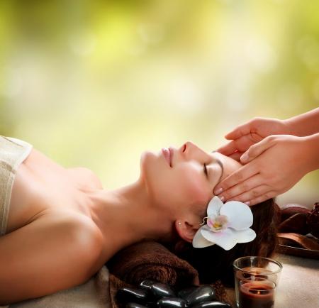 gezichtsbehandeling: Spa Gezichtsmassage