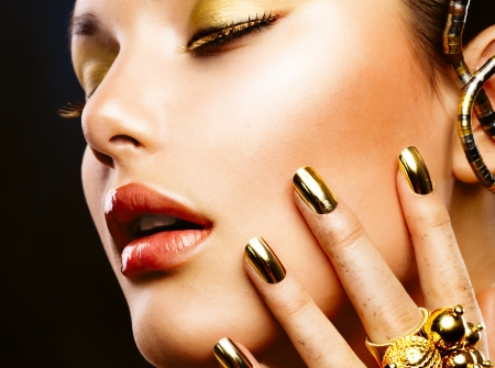 unas largas: Fashion Manicure Beauty and Make up- Foto de archivo