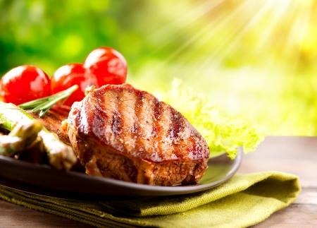 barbecue: Viande Steak de b?uf grill�