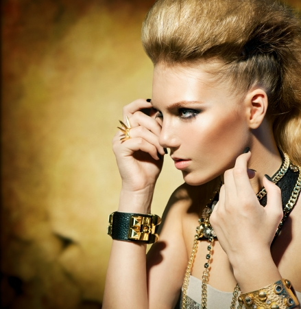 dishevel: Moda Rocker Style Girl Model Viraggio seppia