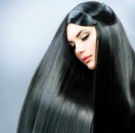 capelli lisci: Lunghi capelli lisci Bella Ragazza Bruna