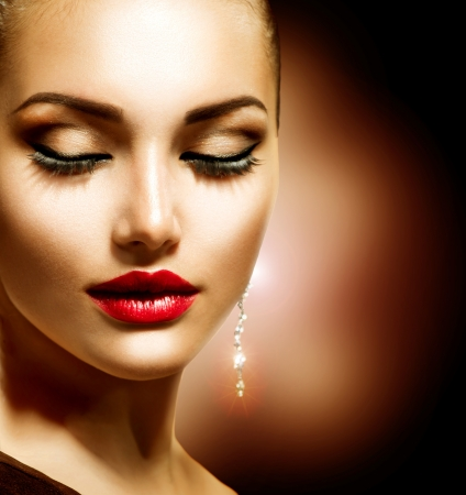 Beauty Woman with Perfect Makeup Stock Photo - 19562120
