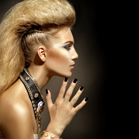 rocker girl: Moda Rocker Style Modelo de la muchacha Retrato Peinado