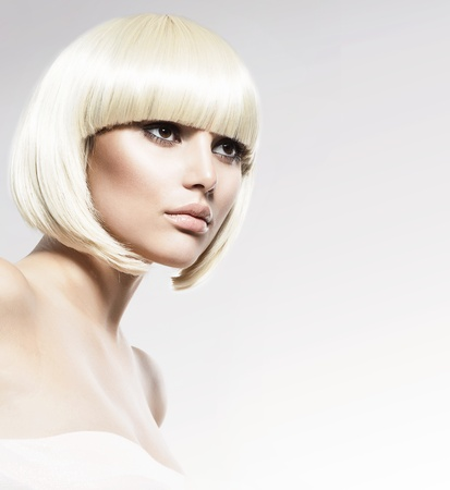 coiffure: Vogue style de beaut� Mannequin Portrait Haircut
